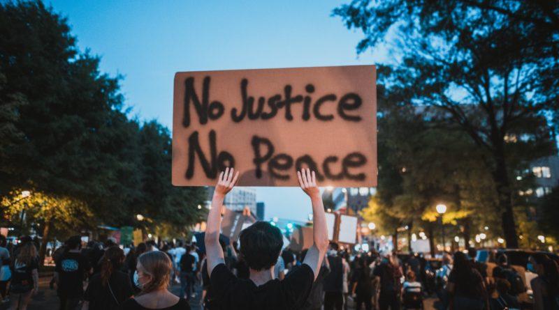 Protesting No Justice No Peace in Tenn
