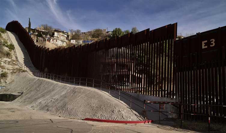 Nogales_Border Wall_Arizona_Mexico_