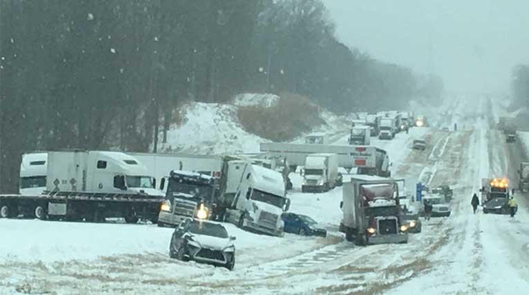 Pileup on I-40_Interstate 40_Tennessee