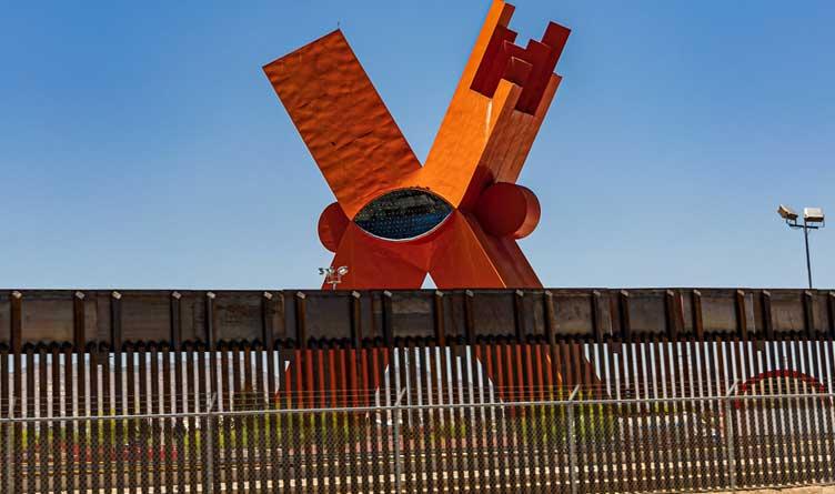 La Equis at the Mexican Border - El Paso, Texas