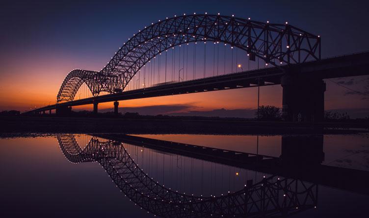 Hernando de Soto 'M' Bridge