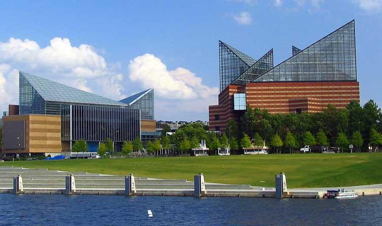 Tennessee Aquarium Modifies Mask Requirement