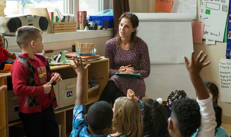 Tennessee Teacher Base Pay Raised To $38,000 A Year