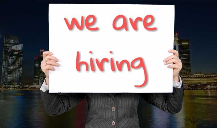 Federal unemployment benefits spur hiring crisis, poll shows