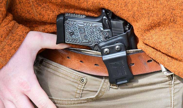 Are Tennessee's Gun Laws Blatantly Unconstitutional For 18-20 Year Olds?
